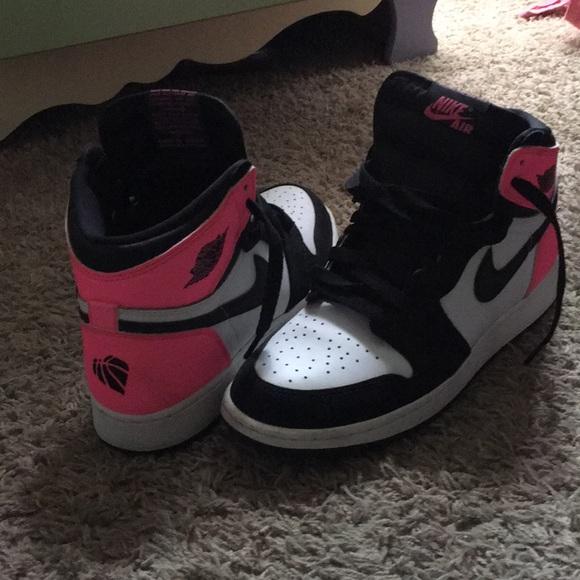 Air Jordan 1  Valentines Day . M 5af4bd20077b97e42a03d508 0955afd99a